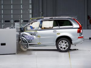Volvo S90 (2017) CRASH TEST